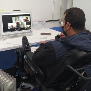 Raúl a la classe online d'informàtica